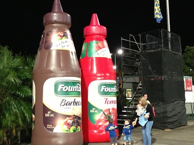 Inflatable Fountain sauce bottles
